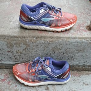 Brooks transcend 2 shoes.  Size 8.5